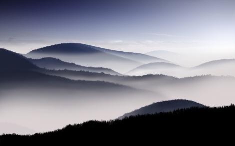 20067-desktop-wallpapers-mountains-in-the-mist