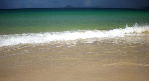 shoreline-galapagos-island-1302659243Z5F
