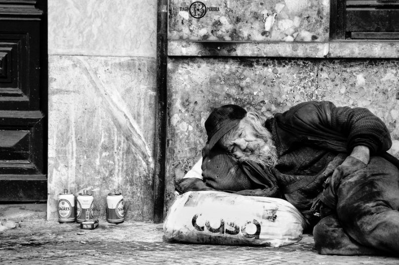homeless_5_black_and_white_by_tiagotakespictures-d379dtb