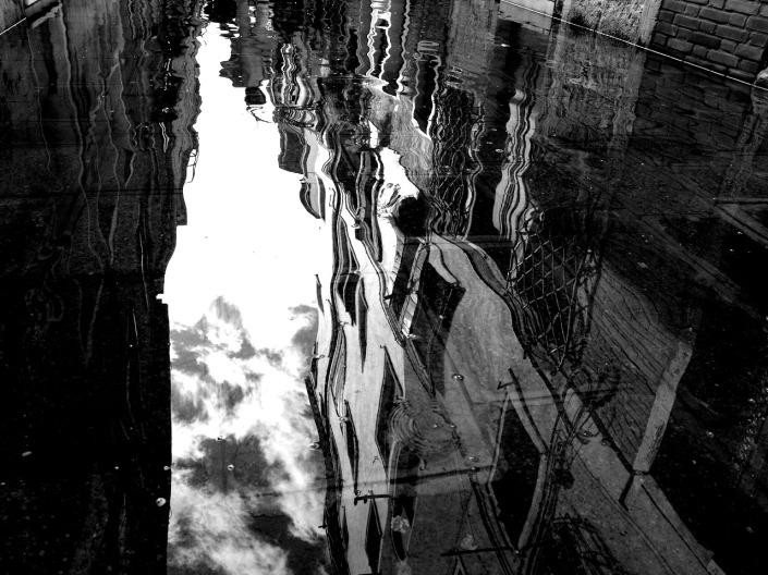 upsidedown_rain_by_lumihiutale.jpg