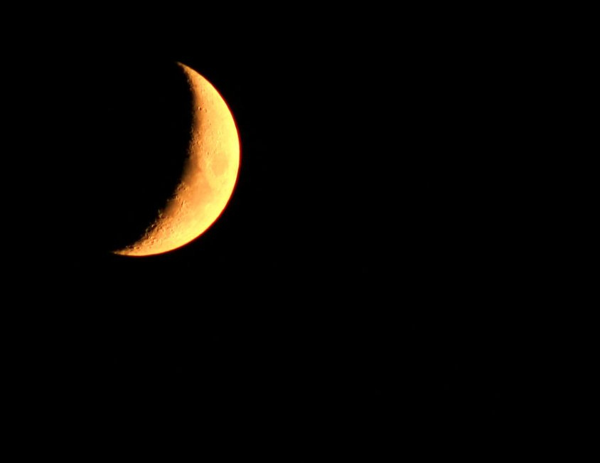 classic_evening_crescent_by_billyunderscorebwa.jpg